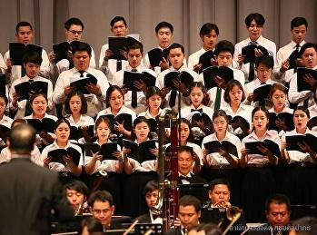 คณะนักร้องประสานเสียงร่วมแสดงศิลปากรคอนเสิร์ต  ชุด Classical in touch II ตอน เฉลิมรัช พิพัฒน์รัตนโกสินทร์